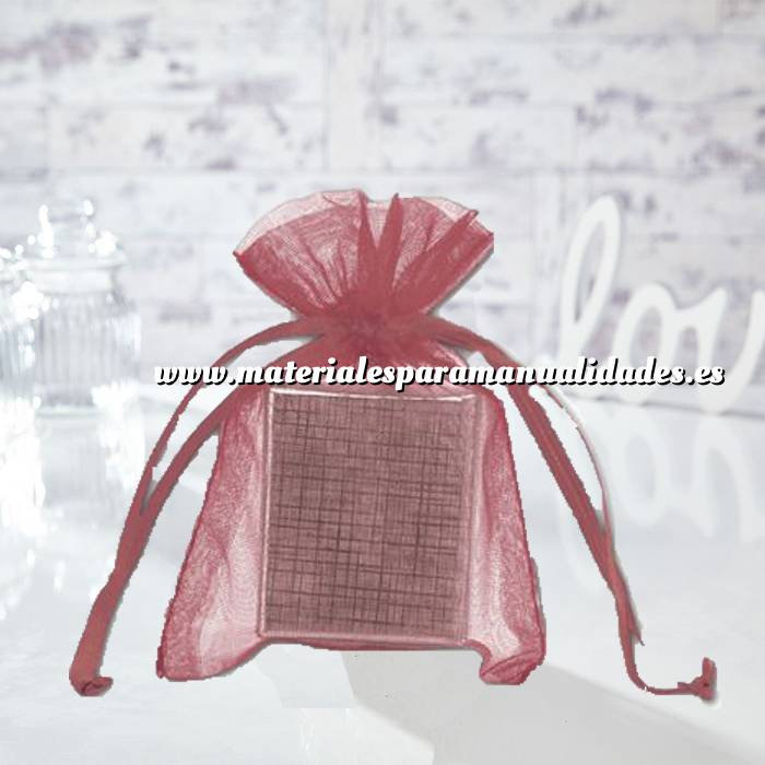 Imagen Tamaño 10x15 cms. Bolsa de organza Burdeos 10x15 capacidad 10x12 cms.