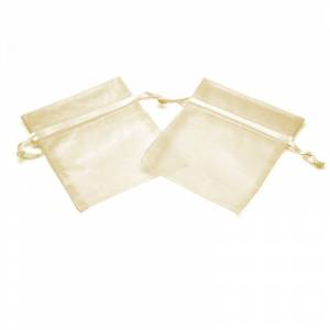 Imagen Tamaño 13.5x19 cms. Bolsa de organza Crema o Beige 13.5x19 capacidad 13x17 cms.