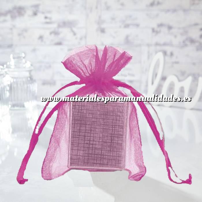 Imagen Tamaño 12x14 cms. Bolsa de organza Fucsia 12x14 capacidad 11x11 cms.
