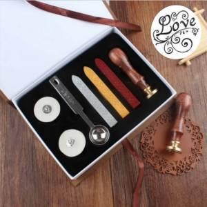Kits de sellos de lacre - Caja Lacre Love (Sello + 3 barritas + cuchara + 2 velas)